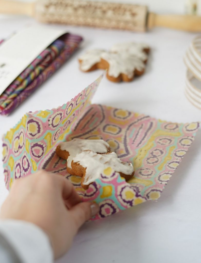 beeswax wrap wrapping cookies